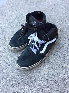 Men's Vans High Top shoes size 10.5