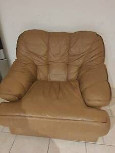 URGENT Sale - Sofa, 4 seater Dining table - Leaving country