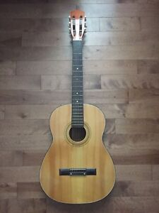 Classical Acoustic Guitar - Made in Japan