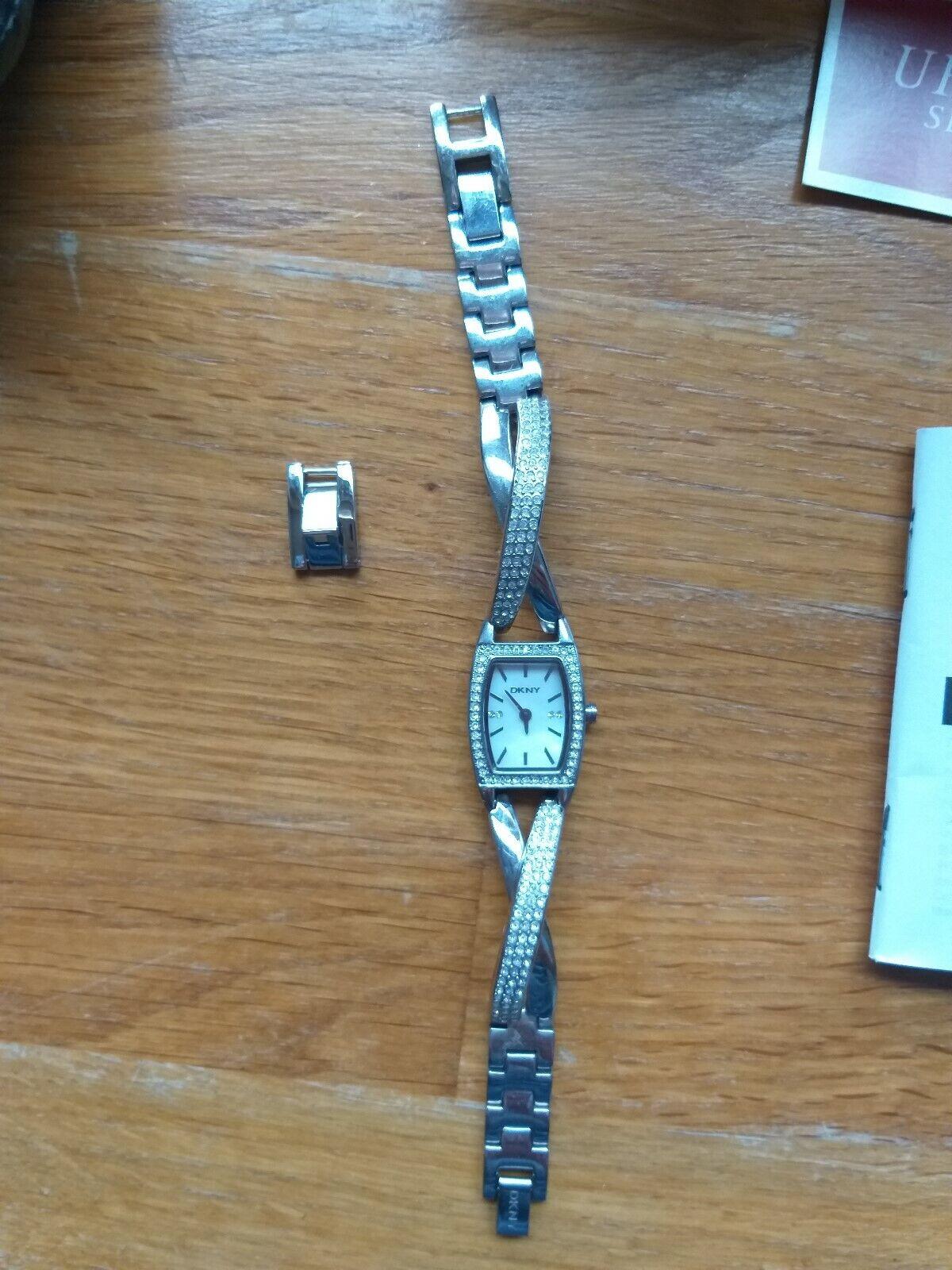 DKNY Damen Uhr NY4633 *selten getragen* Weihnachtsgeschenk mit Box
