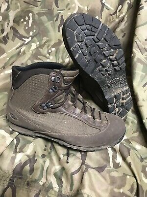 Brown high Liability goretex AKU Boots!british Army Issue!v/g- grade 1! Size 9 L
