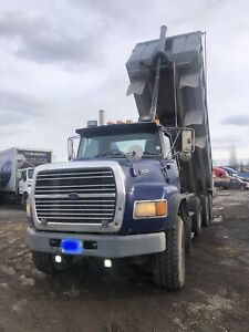 FORD L9000 DUMP TRUCK FOR SALE