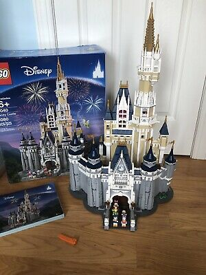 LEGO The Disney Castle (71040) Disassembled Step By Step In To Numbered Bags