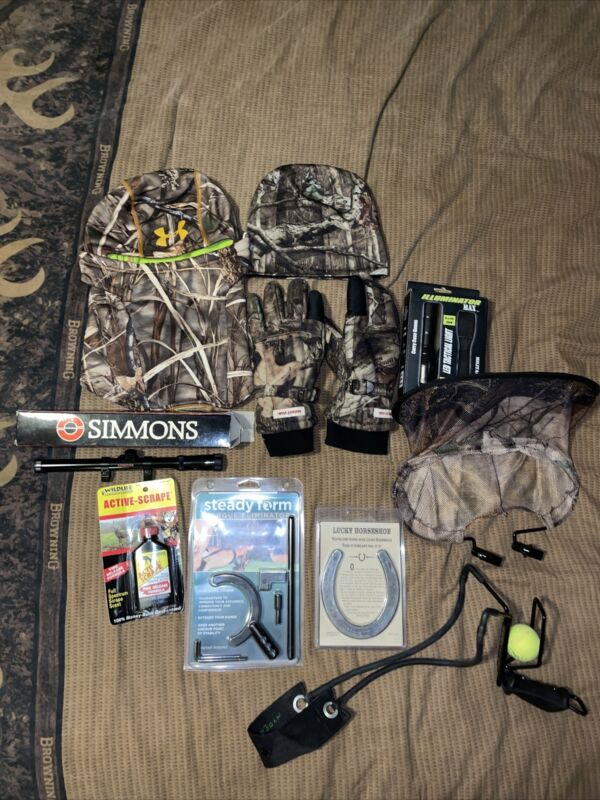 hunting accessories lot-Scope,Under Armour Neck Gaiter,Gloces,Flashlight. More