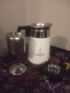 Corning ware Trefoil perculator coffee pot