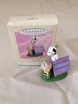 Hallmark - Peanuts - Easter Beagle Charlie Brown - Keepsake Easter Ornament 1994
