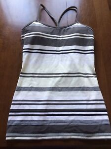 Size 6 Lululemon power y tanks