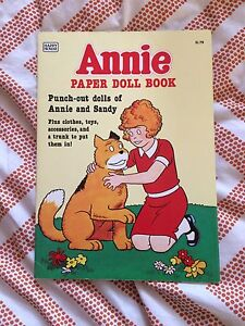 Little Orphan Annie paper doll book- 1982