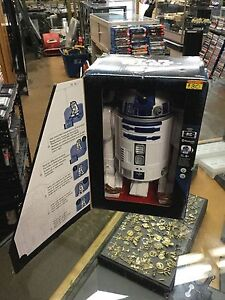 Brand new Star Wars  smart  r2-d2 intelligent remote controlled