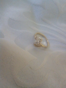 Dress ring 9 crt gold diamond ring petite cutie Oxley Vale Tamworth City Preview