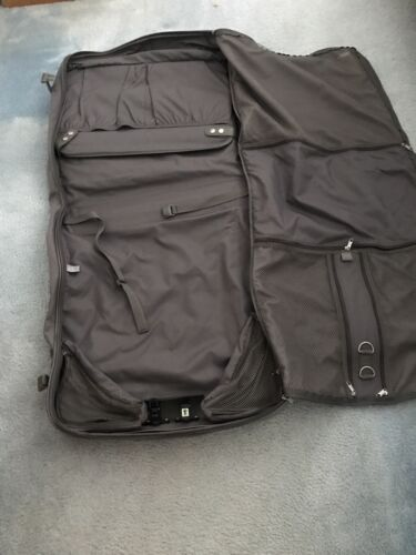 Skyway Hanging Garment Bag Luggage Fold Preowned - $29.00