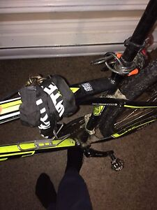 GT mountain bike ( lock, clip in Pedals, shoes )