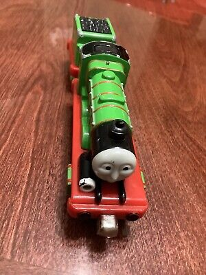"""Trackmaster Thomas & Friends """"HENRY"""" And Tender 2009 Train"""