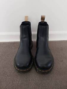Dr Martens - Vegan 2976 Chelsea Boots Brighton Bayside Area Preview