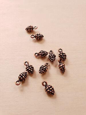 Kleine Charms (10 x Kleine Tannenzapfen Anhänger * Schmuckbasteln Deko Charms Kupferfarben)