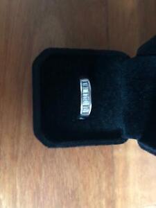 18 ct white gold  .91 ct diamond ring