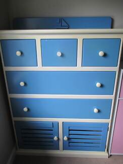 White and blue chest of drawers / tallboy in good condition