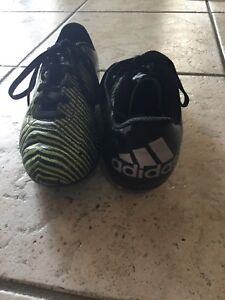 Adidas outdoor soccer cleats    Size 2 boys       $20 obo