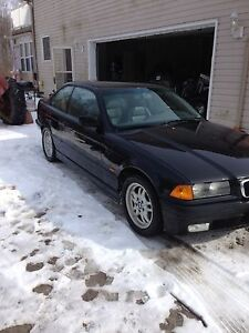 328is auto coupe 165,100km 2200$obo