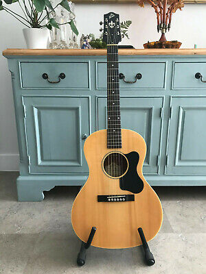 The Loar LO16 Natural Flat Top Acoustic Guitar L 00 Small Body + Hard Case