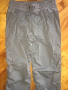 Ivivva grey light weight pant Size 14