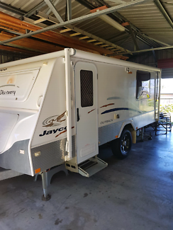 EASTER CAMPER. 2009 Jayco Outback Discovery caravan.