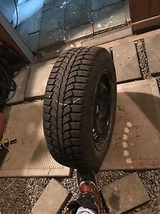 195/65R15 Uniroyal tigerpaw ice and snow 4 pneux