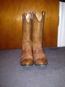 Size 10 wrangler boots worn twice