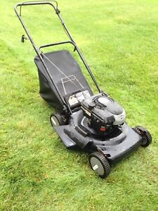 Murray Briggs and Stratton 6 hp Lawn Mower with bagger