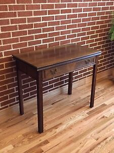 Extendable side table