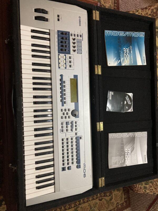 Yamaha Mo 6 Synthesizer