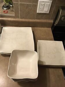 12 piece dinnerwear set square off-white