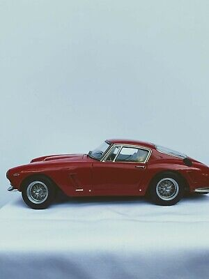 Rare CMC Ferrari 250GT Berlinetta Passo Corto (SWB) 1961 Red 1:18+ Box- Mint