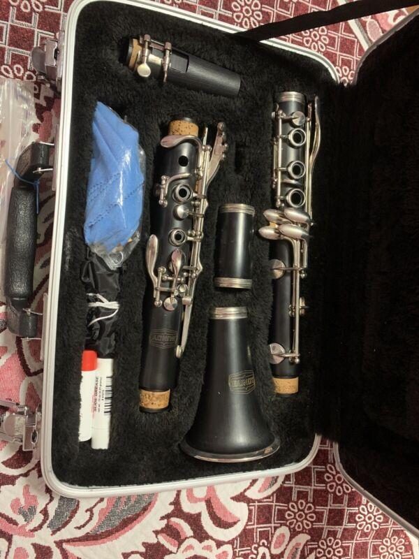 GM Bundy Paris Wooden Clarinet