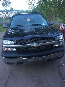 2005 chev 1500 4x4 trade for car or suv