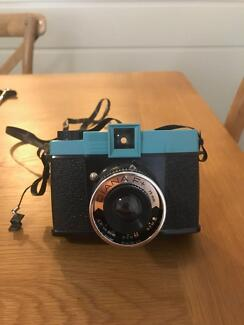 Lomography - Diana F+ Deluxe Kit - great condition