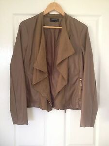 AS NEW Crossroads leather jacket sz16 Warwick Southern Downs Preview
