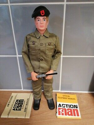 Vintage action man 40th soldier. blonde fuzzy hair gripping hands very nice.