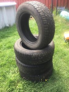 4PNEU HIVER 225/65 R17  NORD FROST