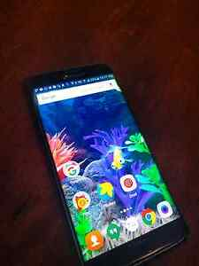 Samsung Galaxy Edge S7 *cracked screen corner* Orelia Kwinana Area Preview