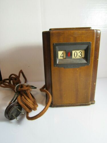 Vintage TELECHRON Electric Clock mantle 8B03 Keeps Time