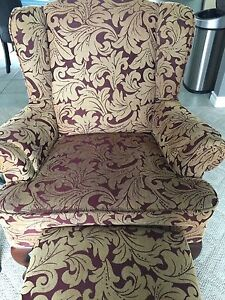 Accent chair Windsor Region Ontario image 1
