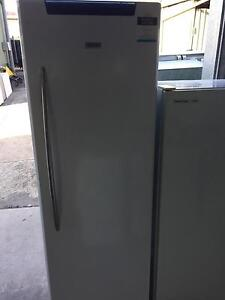 Hisense 351Ltr All Fridge with 2 months warranty Forest Glen Maroochydore Area Preview