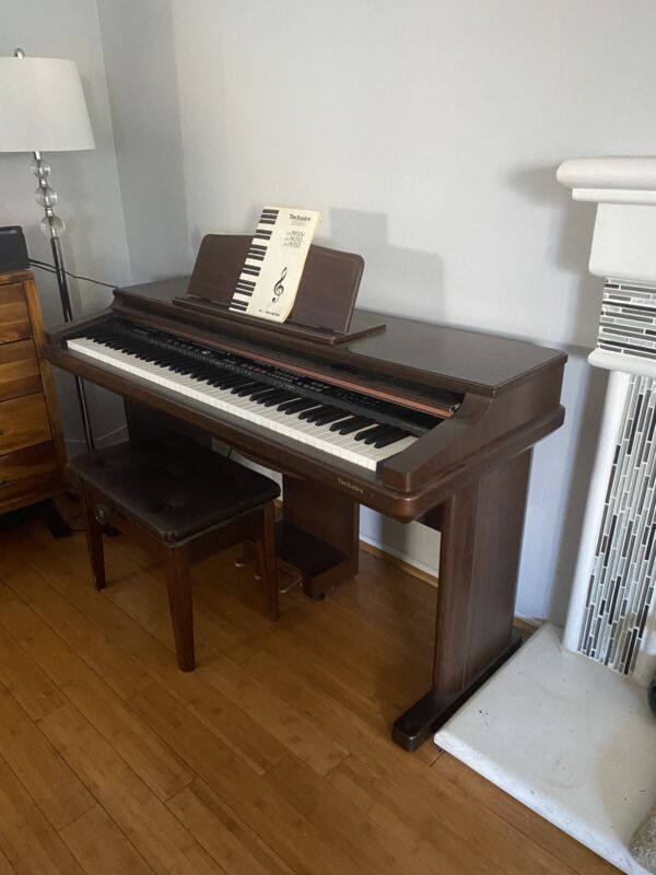 Technics PR350 Digital Piano
