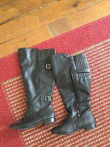 Gorgeous additionelle boots size 8