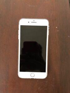 Silver Iphone 8 plus UNLOCKED