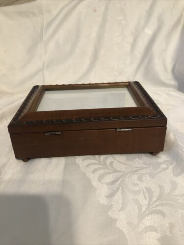 Musical Jewelry Box With Cover Photo. Tune Amazing Grace - $21.00