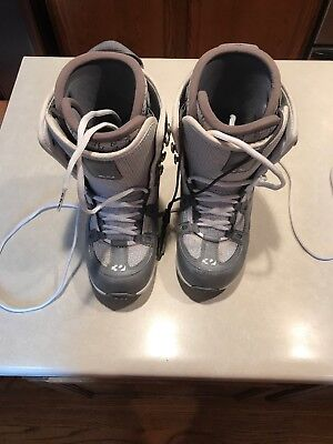 Exus Boot - Used THIRTY TWO 32 EXUS Grey & White Womens snowboard boots US sz 8