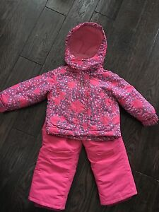Girls Hot Paws Snowsuit, size 2