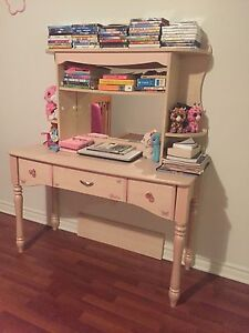 Barbie desk